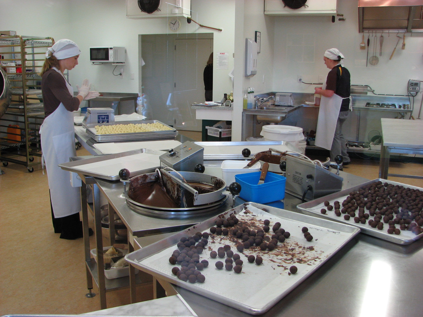 The Makana Chocolate Factory allows you to see how they make their chocolates, but be warned - they are too good to have just one!